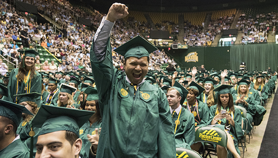 Graduating Students Reminisce About Life at Mason